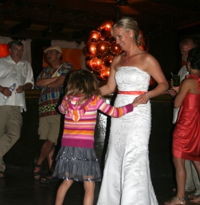 Neko dancing with the bride.